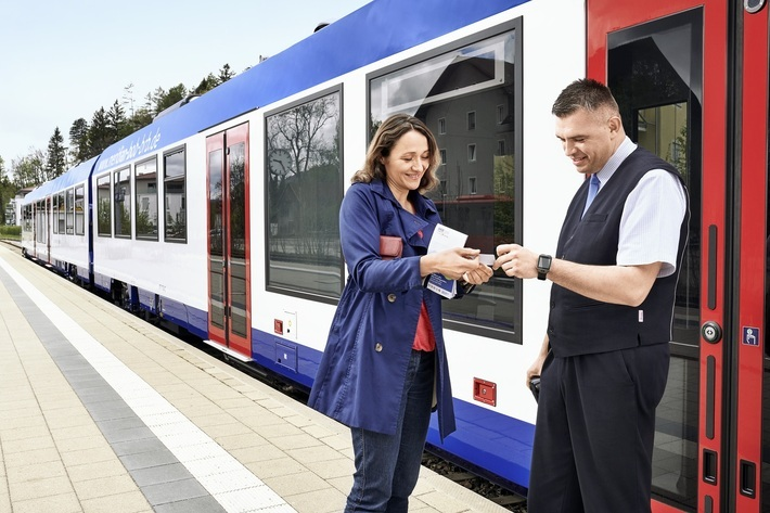 The penalty fare for traveling without a valid ticket works out to at least € 60.