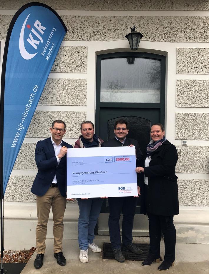 Spendenscheckübergabe an den Kreisjugendring Miesbach