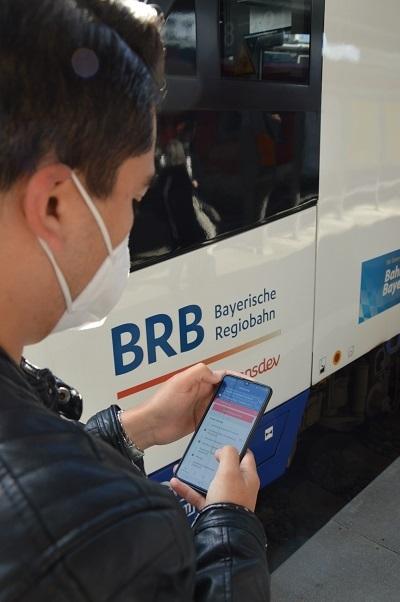 Raoul Beck war an der Entwicklung der neuen BRB-App als Referent Vertriebstechnik beteiligt und nutzt sie selbst gerne für seine Zugfahrten zur Arbeitsstelle.
