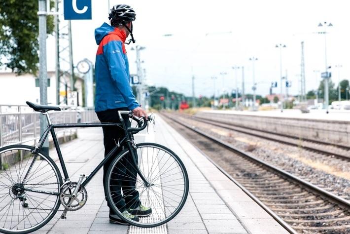 Fahrgast mit Fahrrad