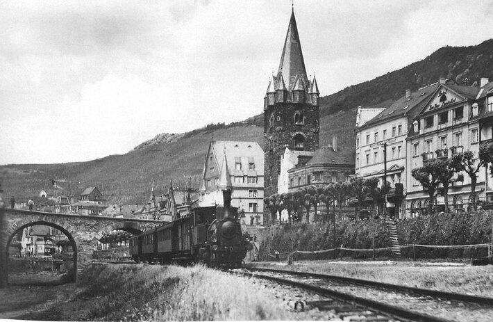 Kleinbahnhof Bernkastel (1930)