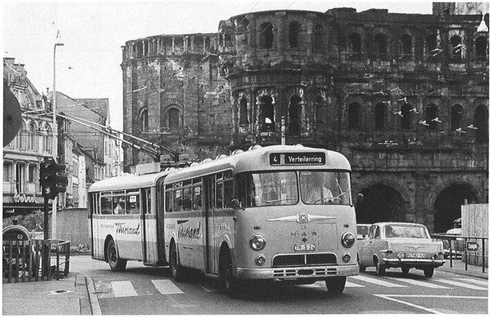 Ein MAN-Bus der SWT in Trier (1967)