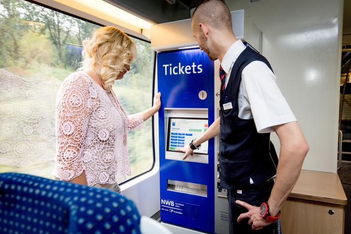 Der Fahrkartenautomat in der Zügen der Region OWL