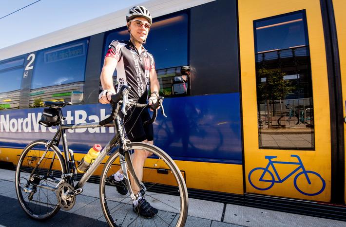 Mit der NordWestBahn lassen sich auch Fahrräder einfach transportieren.