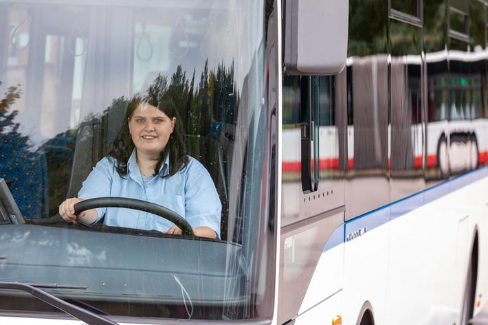 Transdev bietet Jobs als Busfahrer.