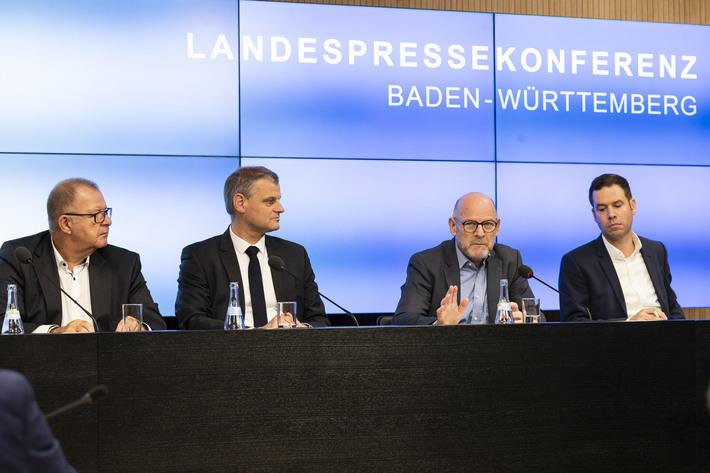 Pressekonferenz im Ministerium für Verkehr Baden-Württemberg