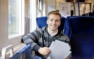 Student im Zug