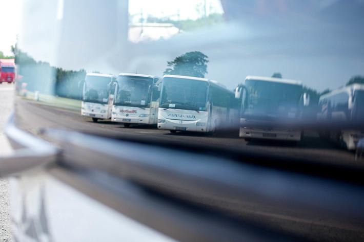 Buslogistik Bild Busse